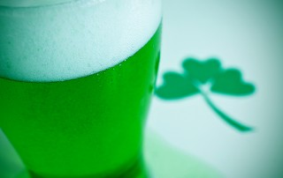 green beer and 3-leaf clover